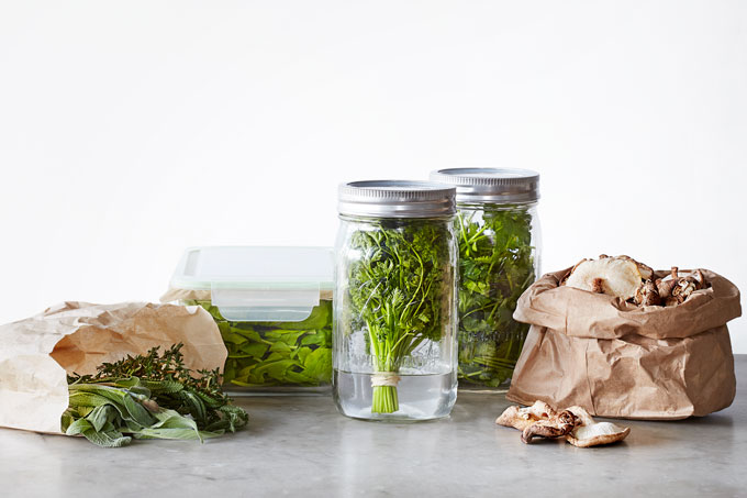 Mason Jars Gl Lock Storage Containers And Paper Bags Are All You Need To Keep Your Produce Fresh